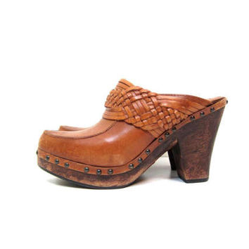 Vintage FRYE Clogs Woven Brown Leather Clogs Wooden Heels High Heel Platforms Sandals Slip On Mules Vintage Boho Wood Heels Womens SIZE 10