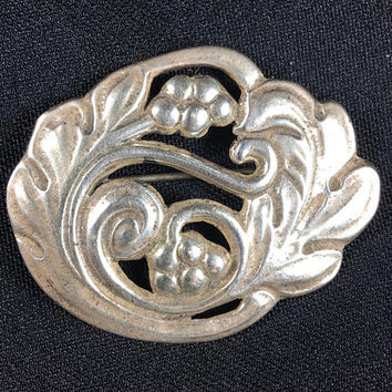 1940s sterling silver floral pin