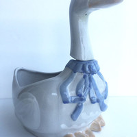 Vintage Louisville Stoneware Gaggle of Geese Soup or Vegetable Bowl