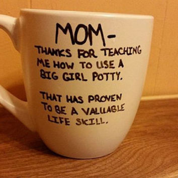 Mom, thanks for teaching me how to use the big girl potty./Gift for mom/Funny/Dishwasher safe/ coffee mug/ I love my mom