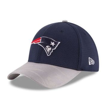 New England Patriots New Era 39THIRTY NFL Sideline Men's Fitted Cap Hat - S/M