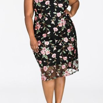 Black Patchwork Grenadine Floral Embroidery Plus Size Round Neck Prom Party Maxi Dress