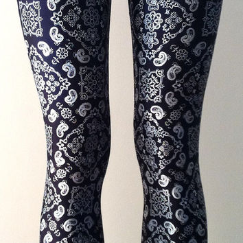 Soul Trend Womens Leggings/Tights/Printed Nylon Spandex/Bandana Silver Metallic Foil on Black Size 8, 10, 12, 14, 16 New