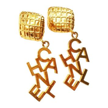 Pre-owned Chanel C-H-A-N-E-L Dangle Clip on Earrings