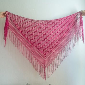 Vintage hot pink crochet triangle shawl with fringes. Fuchsia / Magenta lace scraf.  Boho, hippie,  bohemain, gypsy, coachella festival