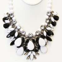 Black and White Veronica Necklace Set