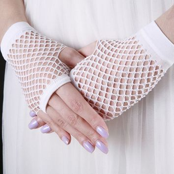 2017 1 Pair Summer Women's Fashion Sexy Elastics Fishnet Female Gloves Lace Fingerless Wrist Length Costume Mittens