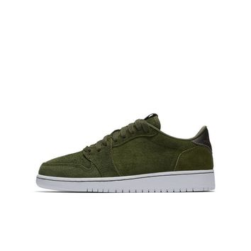 Air Jordan 1 Retro Low \