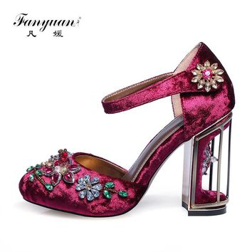 Fanyuan 2017 Retro Floral Pleuche Shoes Women Pumps Luxurious Cutouts Bird Cage High Heel Crystal Female Vintage Pumps Big Size
