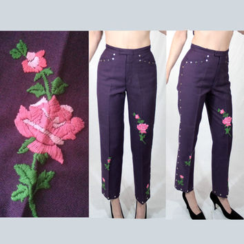 Studded embroidered 60s capri pants XS, 70s boho vintage Levi's jeans high waist floral mod rose patch purple pink 1960s Women Girl small S