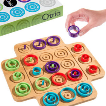 Otrio: Critical thinking, strategy, and memory board game.