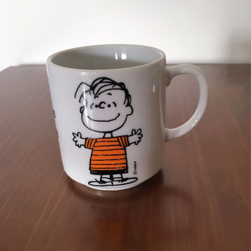 "Vintage 1952 Peanuts Mug - Linus ""To Know Me is to Love Me"" / Another Determined Production / United Feature Syndicate/ Charlie Brown Snoopy"