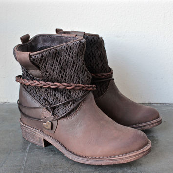 coolway - clea leather & fabric braid detailed hidden wedge ankle boots