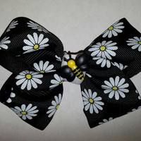 Daisy Bumble Bee Bow