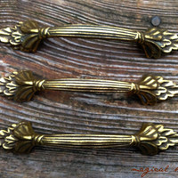 Vintage Antiqued Weathered Solid Brass Leaf Detail Drawer Pulls for Furniture Hardware Vintage Drawer Pulls / Knobs