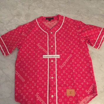 One-nice™ LOUIS VUITTON x SUPREME Monogram Red Denim Baseball Jersey Shirt LARGE