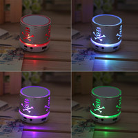 Universal Mini Bluetooth Skull Pattern Speaker Wireless LED Light TF Card Stereo Music Boombox Speaker For Cell Phone Tablet PC
