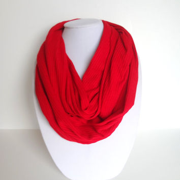 Valentine's Day Gift, Knit Infinity Scarf in Dark Red, Chunky Scarf, Red Infinity Scarf