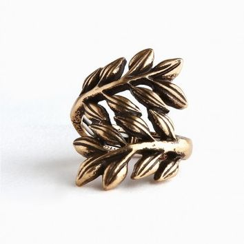 Embrace the Foliage Ring