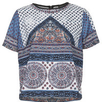 Scarf Placement Print Tee - White