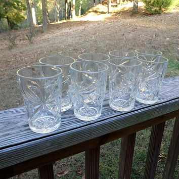 Set of 8, 1960s Drinking Glasses, Early American Prescut by Anchor Hocking, 10 oz., 4.5 Inches Tall, EAPC, Star of David, Vintage Glasses