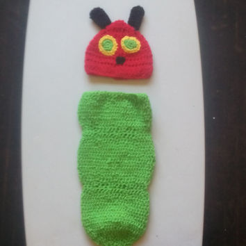 Crochet newborn hungry caterpillar hat and cocoon outfit - crochet newborn catterpillar hat and cacoon photo prop - caterpillar costume