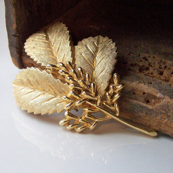 Etsy, Gold Leaf Trifari Brooch, Trifari Brooch, Vintage Brooch, Vintage Broach, Vintage Pin, Gold Leaf Pin, Trifari Pin
