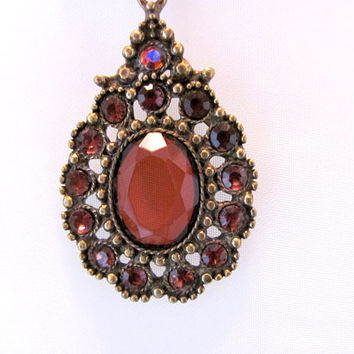 Avon Victorian Style Necklace / Avon Red Granada Pendant Necklace