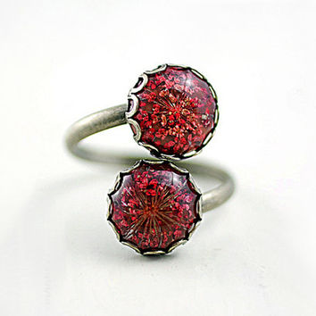 Romantic double pad ring with real Queen Anne's lace in red and bronze. Jewelry for her.