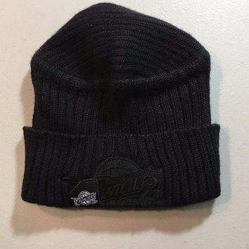 CREYONC. BRAND NEW CLEVELAND CAVALIERS RETRO REEBOK ALL BLACK KNIT HAT