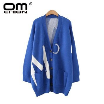 OMCHION Oversize Knitted Jumper 2018 Winter V Neck Harajuku Jacquard Long Cardigan Women Casual Loose Pockets Sweater Coat QS128