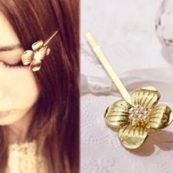 TS282 Temperament Lady Imitation Pearl Four Small Flower Hair Clip Hairpin Factory Direct