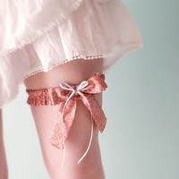 Bridal bow garter Old rose floral Liberty cotton OOAK by Jye, Hand-made in France