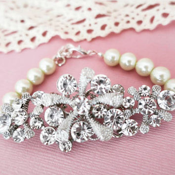 Pearl and Rhinestone Bridal Bracelet for Summer Weddings Vintage Style Bridal Jewellery Swarovski Pearl Wedding Bracelet for brides MARIN