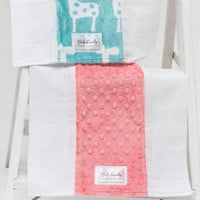 Baby Laundry 91139 Giraffe Topaz 2-Pack Soft Minky Burp Cloths with Pacifier Clip