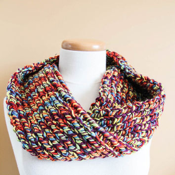 HandmadeTwisted Multi colour neck warmer