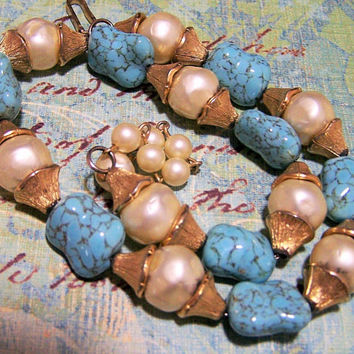 Trifari Faux Turquoise Art Glass Bead Necklace Faux Pearls Gold Tone Mid Century Jewelry  1117