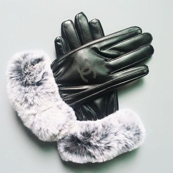 CC-  Winter Woman Fur Leather Gloves
