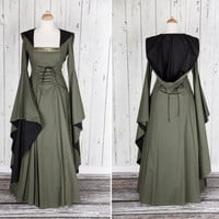 Long green Medieval style dress, long wide sleeves, laced on front and back