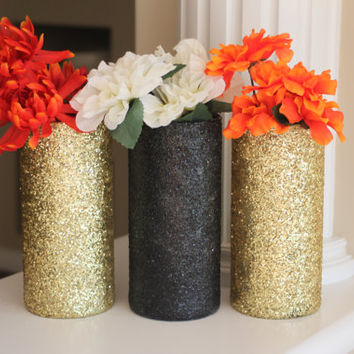 Gold and Black Centerpieces, Gold Vases, Black Vases, Gold and Black Wedding Decor, Bridal Shower Centerpiece, Graduation Party, Grad decor