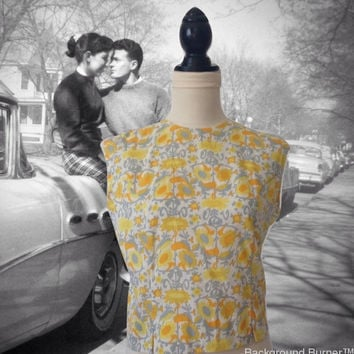 1950's Sleeveless Blouse Yellow and Grey Floral Print  Ship n Shor Button Down Back Summer Top Retro 1950s Blouse 1960s