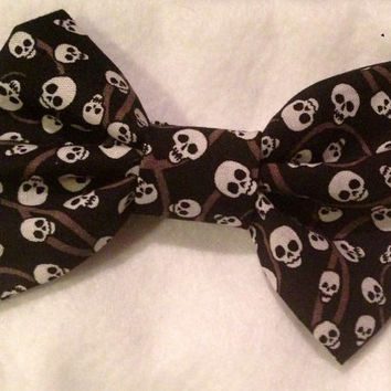 Skull bow, Skull Bow tie, black fabric hair bow or bow tie with mini skull print - infant - adult