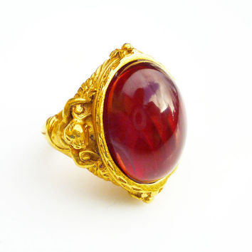 Elizabeth Taylor for Avon Ring Gilded Age Faux Ruby 22 KT Gold Overlay Cherub Angel Vintage Jewelry