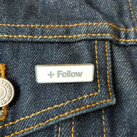 Follow pin