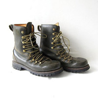 Vintage dark green leather boots. Heavy duty lace up steal toe boots. Combat mountain boots. Herman Survivor Boots - Insulated -20 degrees.