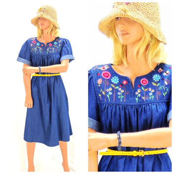 Boho Indie denim embroidered patio dress, size S / M, cotton chambray smock dress, SunnyBohoVintage