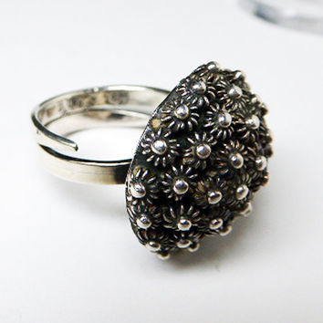 Sunflower Encrusted Ring - Adjustable- Made in Mexico - Flowers Encrusted  - Domed Ring - Signed RD #8 Eagle Mark - Sterling Silver Flowers