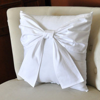 Throw Pillow White Big Bow Accent Pillow 14x14