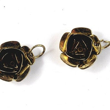 Antique Gold Rose Pendants Charms - 17mm diameter - jewellery making, sewing, Crafts, Gift Wrapping & Costumes by DeeDeeSupplies