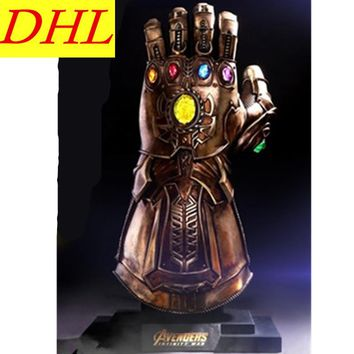 68cm Avengers:Infinity Thanos Anti-Hero Infinity Gauntlet LMS006 1:1 Supervillain Magus Action Figure Collectible Toy L2214